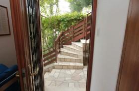 Přístupové schodiště k apartmánu