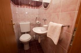 WC a umývadlo