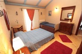 Samostatná postel ve třetí ložnici