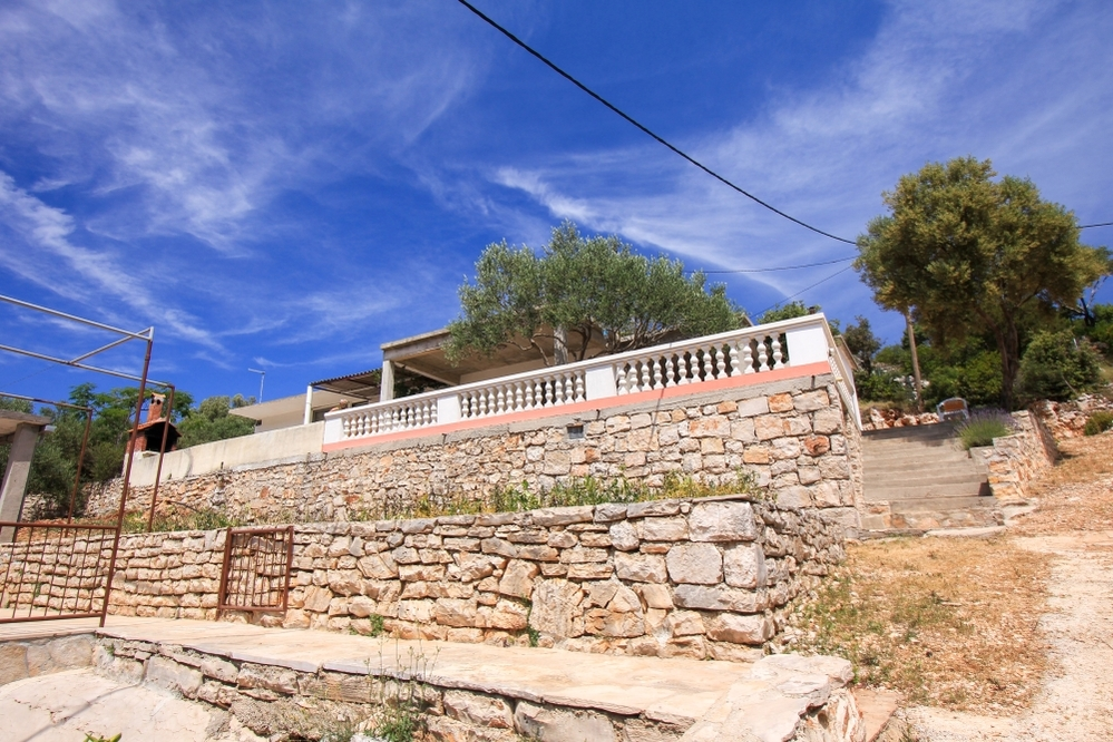 Secluded holiday home Azaria