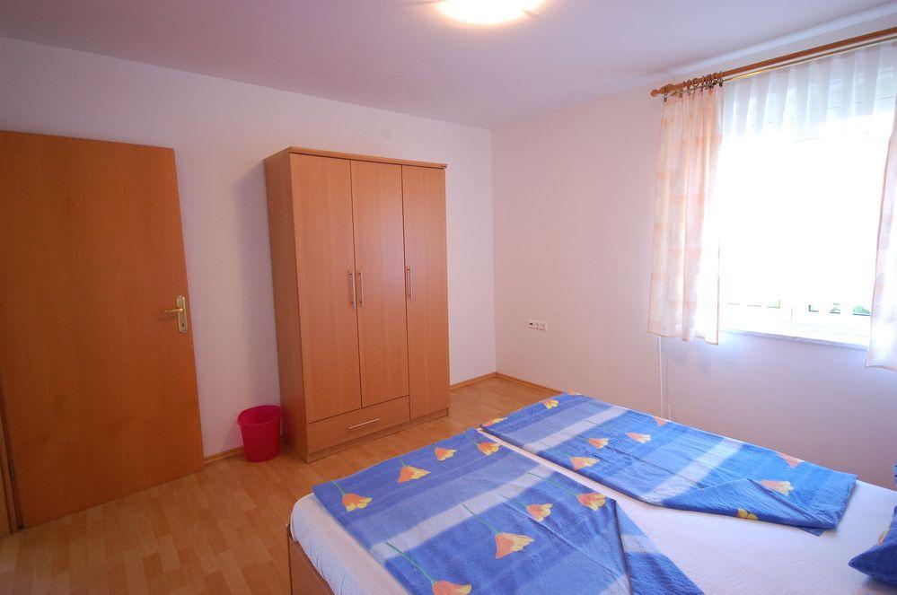 Apartment 400-72