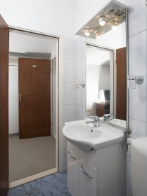 Detail první koupelny