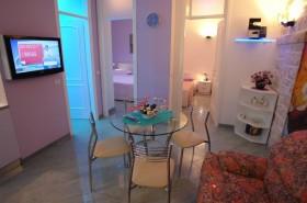 Obývací pokoj a vstupy do ložnic