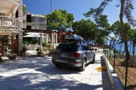 Parkování vedle domu