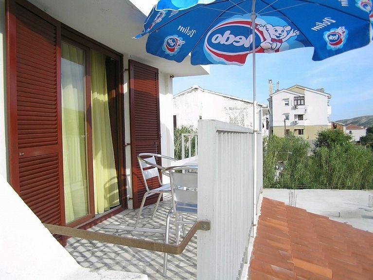 Apartments 1346-14