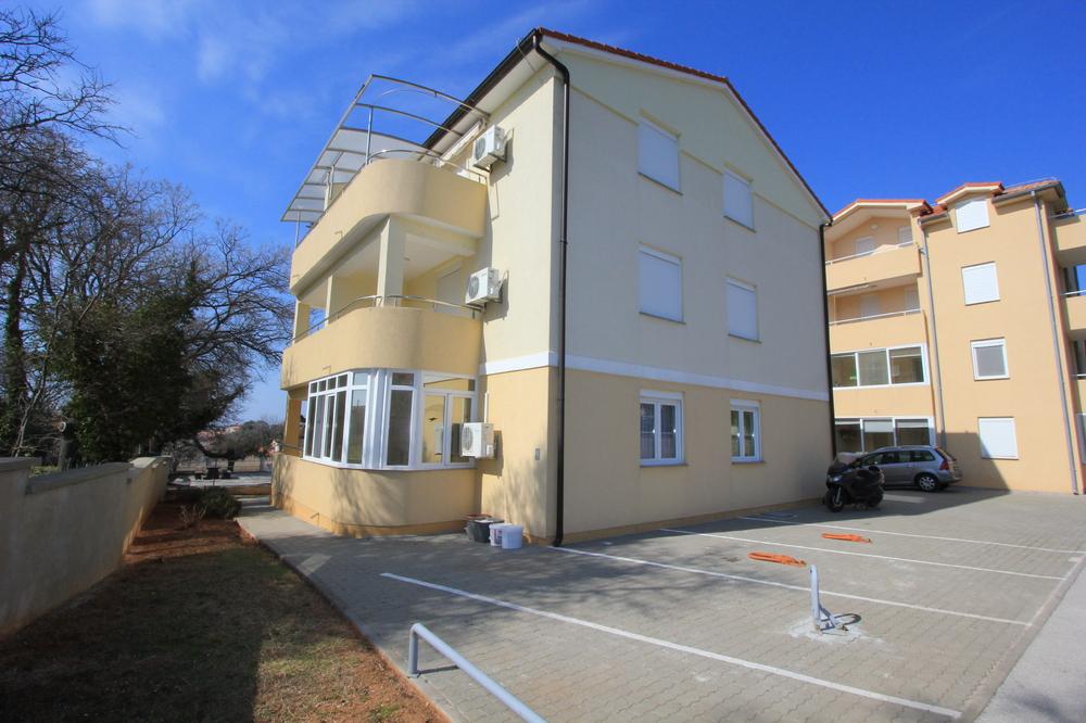 Apartment 1318-356