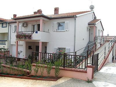 Apartments 549-274