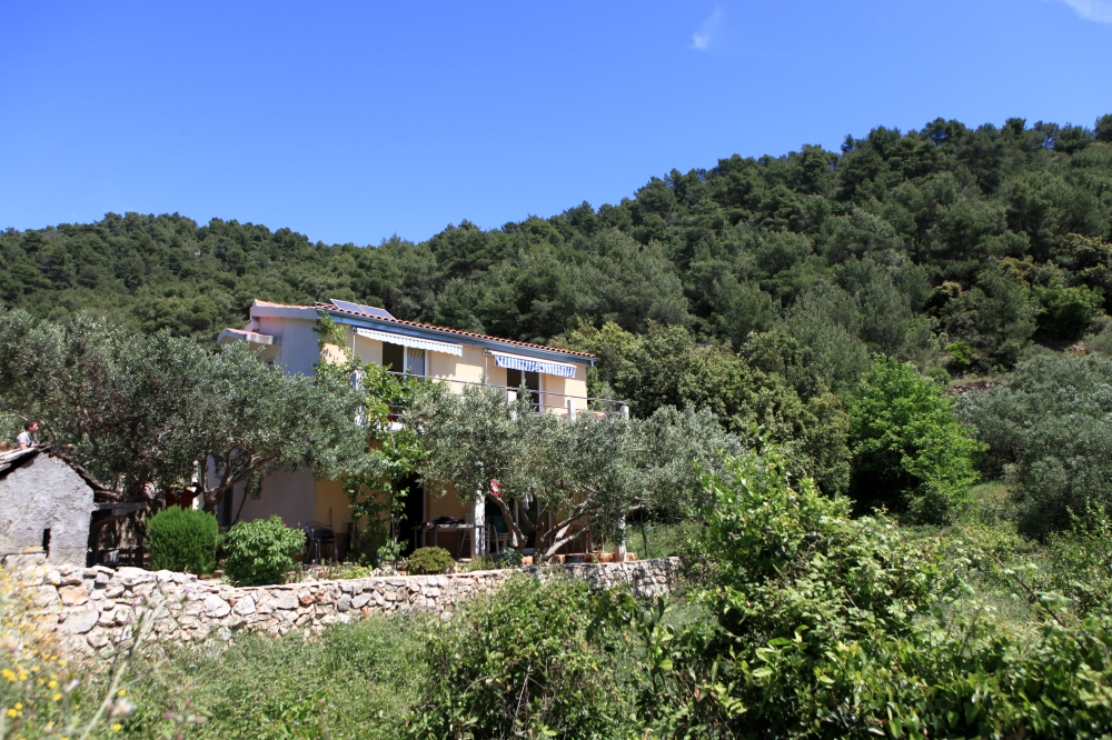 Secluded holiday home Sendra