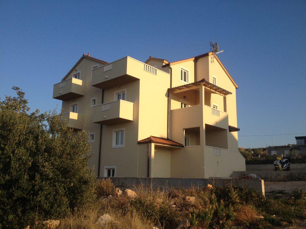 Apartamenty Mitar