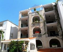 Balkony apartmánů