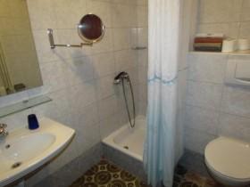 První koupelna