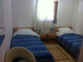 Pokoj má 2 samostatné postele