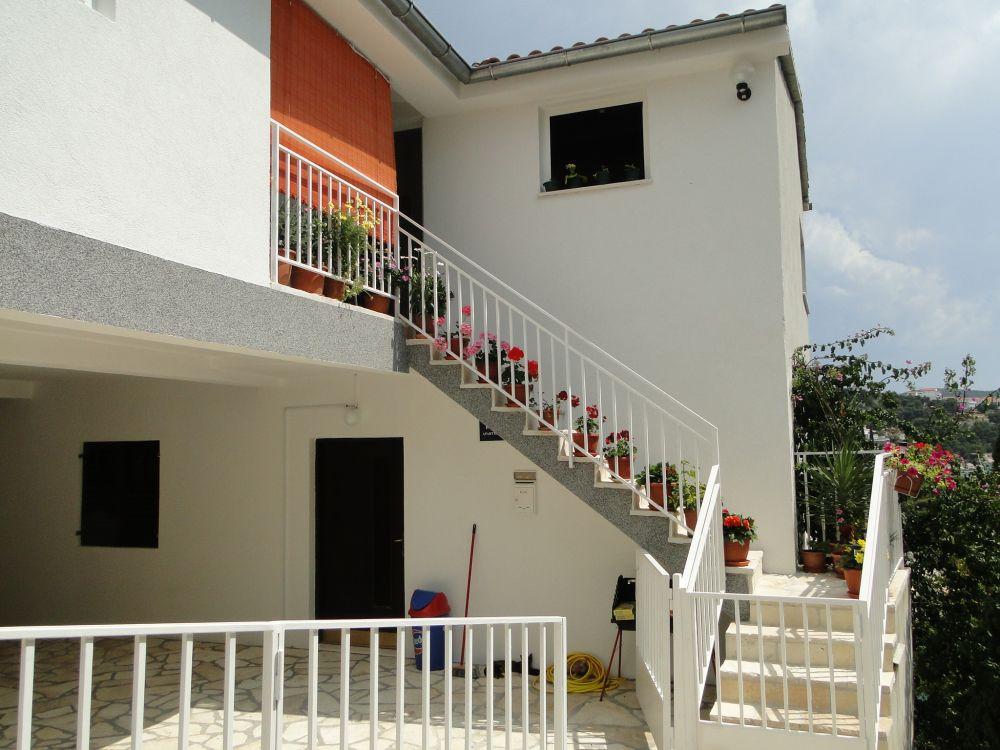 Apartments 1657-20