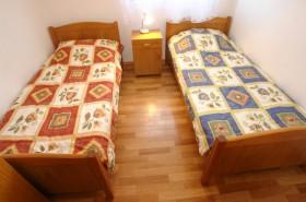 Ložnice s oddělenými postelemi
