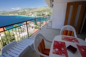 Pohled na druhou stranu balkonu