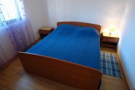 První ložnice v APP 2+2 v přízemí