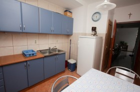 Lednice v kuchyni