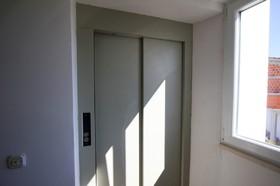 V domě je výtah