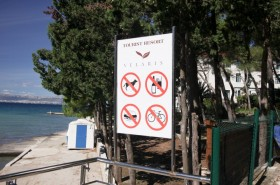 Omezení na pláži na konci letoviska