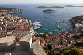 Hradby pevnosti a přístav