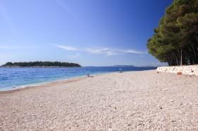 Oblázková pláž
