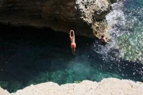 U jeskyně