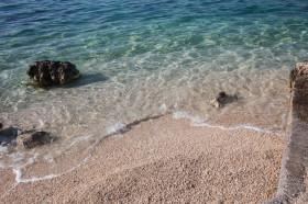 Pláž s jemným štěrkem