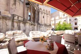 Restaurace s výhledem na Diokleciánův palác