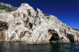 Jeskyně v okolí