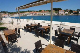 Vyhlášená restaurace u pláže
