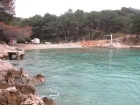 Pohled na pláž Lokvica z moře