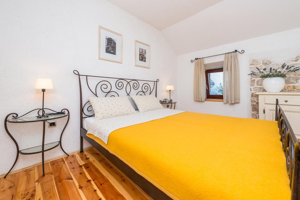Apartment 1350-527