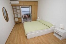 První ložnice