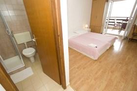 Druhá ložnice a koupelna
