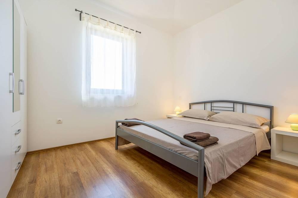 Apartments 1318-441
