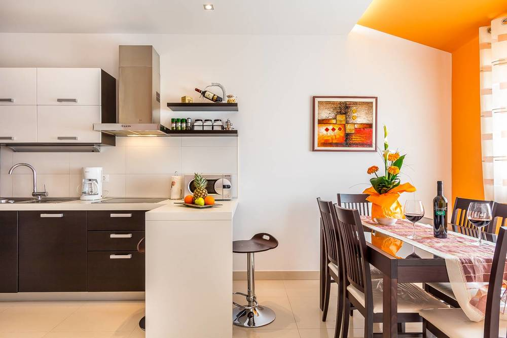 Apartments 1318-533