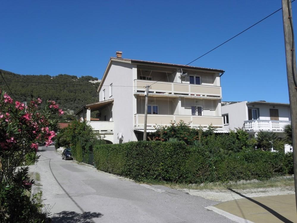 Apartment 1321-142