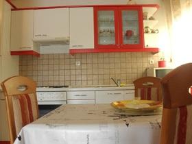 Jídelní a kuchyňský kout