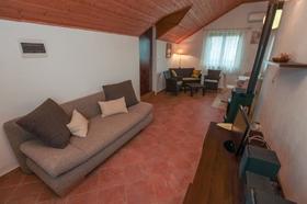 Rozkládací pohovka v obývací části