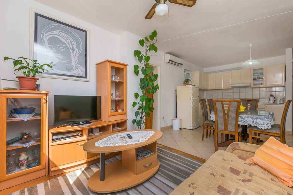 Apartments 1355-2000