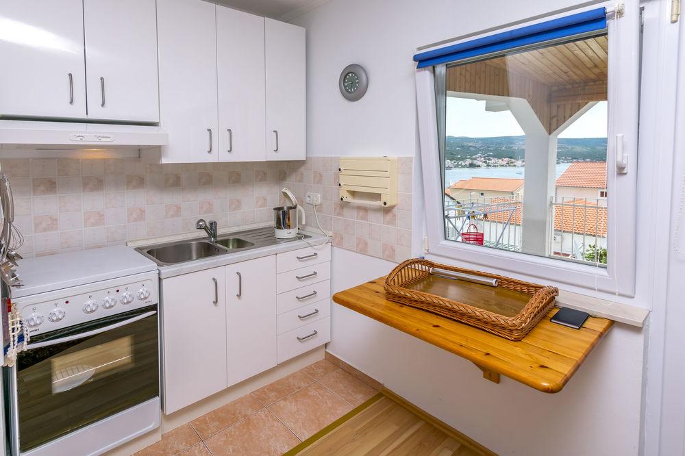 Apartments 1355-2278