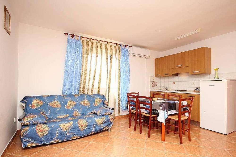 Apartments 1318-38