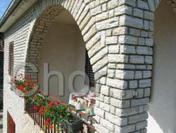 Detail kamenické práce majitele