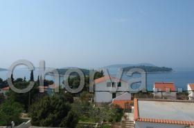 Výhled z terasy na moře a okolní ostrůvky