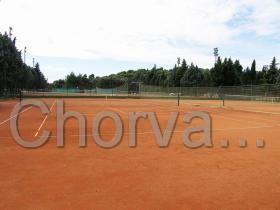 Tenisové kurty ve čtvrti Verudela