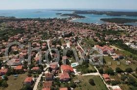 Letovisko Medulin a pohled na přírodní park Kamenjak