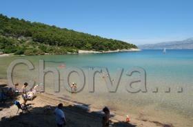 Lovrećina je nejznámější písečná pláž na ostrově