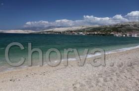 Pravá strana pláže v Pagu