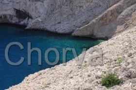 Tyrkysová voda na Pagu