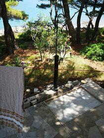 Solární sprcha na terase